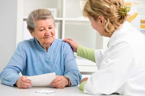 La radióloga y la consulta con el paciente.